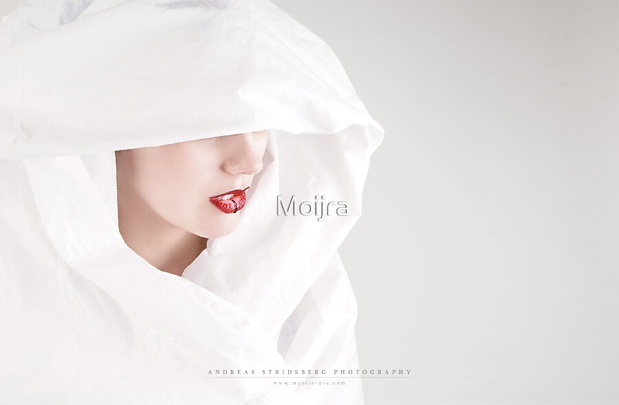 Snow by Moijra
