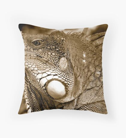 Big Iguana Throw Pillow