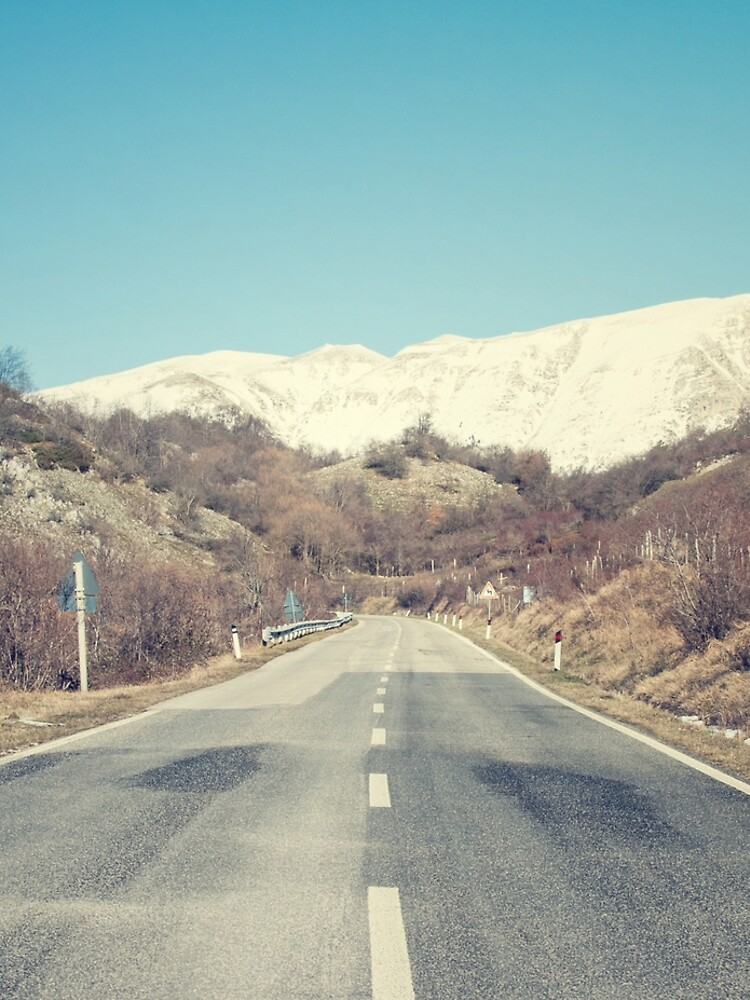 Camino con montaña de salvatoreru