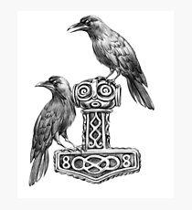Lámina fotográfica Thor Martillo Mjolnir con Odin cuervos Hugin y Munin