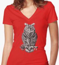 Great Horned Owl Women's Fitted V-Neck T-Shirt