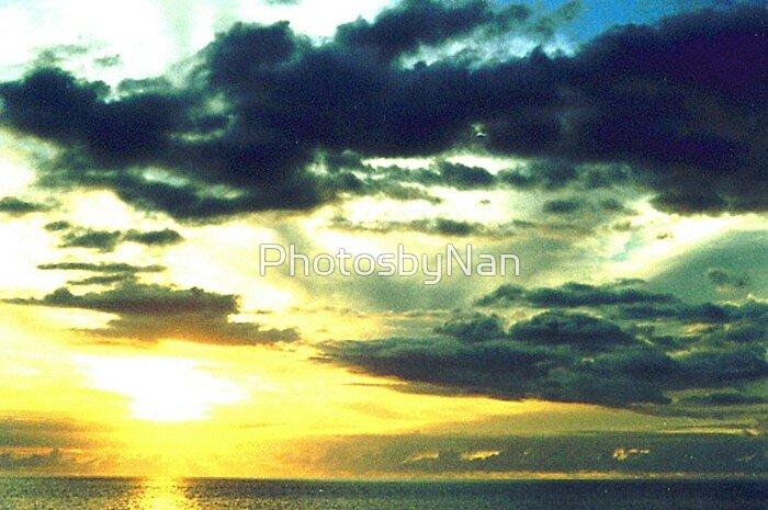 Hawaiian Sunset on Oahu by PhotosbyNan