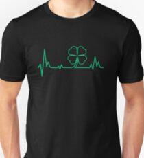 Camiseta ajustada Camiseta irlandesa Impresionante regalo en el día de San Patricio Camiseta Heartbeat
