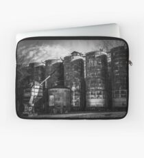 Central Roller Mill 3 Laptop Sleeve