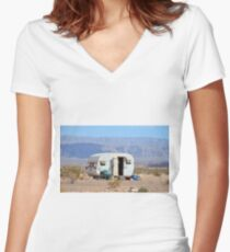 Off grid Women's Fitted V-Neck T-Shirt