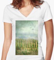 dunes Women's Fitted V-Neck T-Shirt