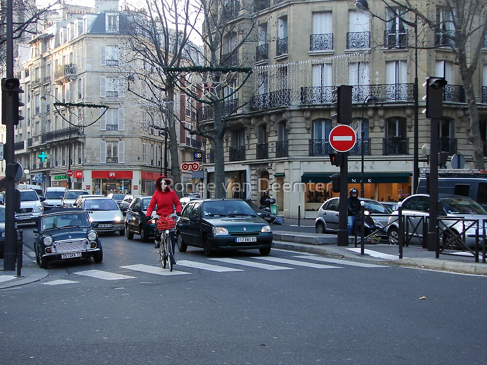 A typical street scene in Paris by Ronee van Deemter