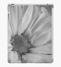 Black & White Daisies iPad Case/Skin