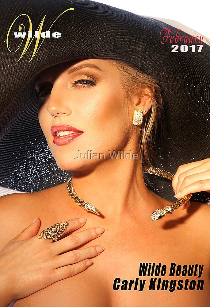 Carly with big hat by Julian Wilde
