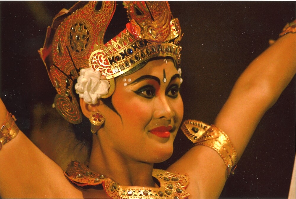 Delightful dancers in Bali by garryr