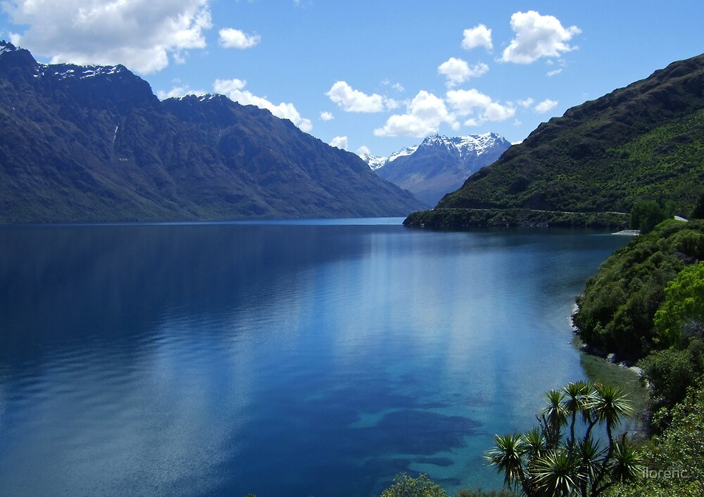Lake Wakatipu by ilorenc