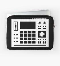 DJ AKAI MPC Drum Machine, Sampler Mixer Turntable Technics Dee Jay Decks Hip Hop T-shirt Laptop Sleeve