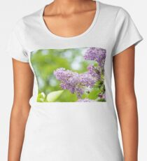 purple lilac on green blurred background  Women's Premium T-Shirt