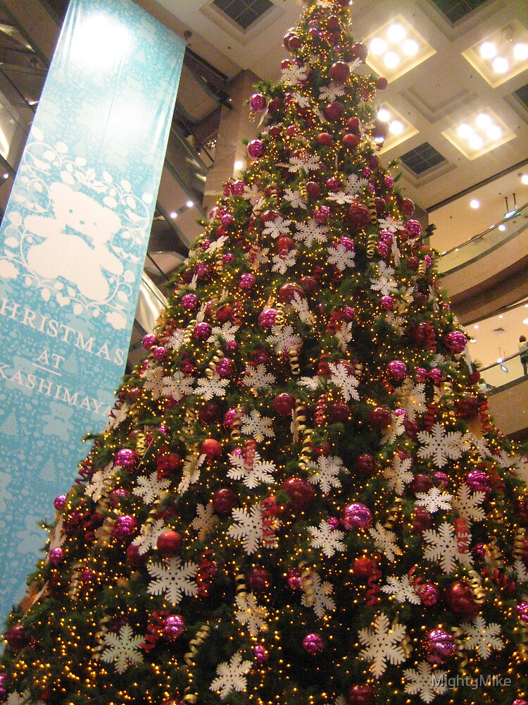 Christmas Tree at a shopping centre in Orchard Road, Singapore by MightyMike