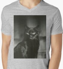 Portrait of black cat square black and white analogue medium format film Hasselblad  photograph Men's V-Neck T-Shirt