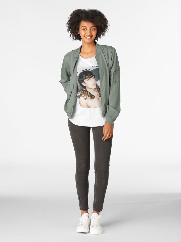 Alternative Ansicht von Yadada Mean Premium Rundhals-Shirt