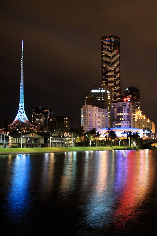 Reflections of Melbourne by stjc