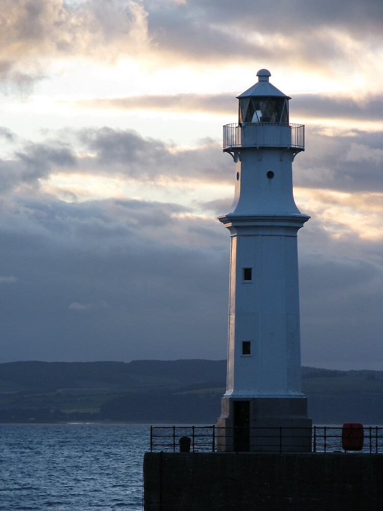 Newhaven Lighthouse 2 by Dido