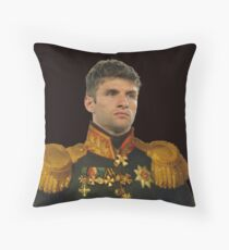 thomas muller Throw Pillow