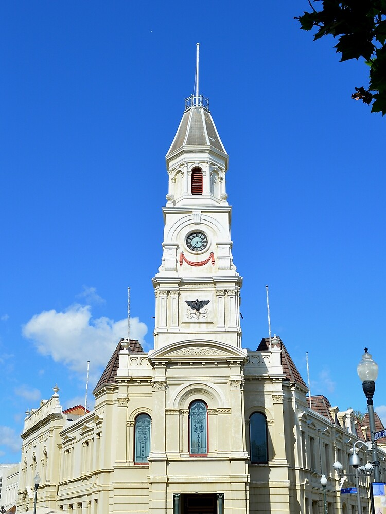 Fremantle building by Kerry LeBoutillier