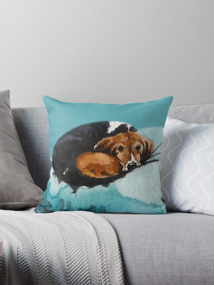PillowPaws: Basset by Angelique van Voorst