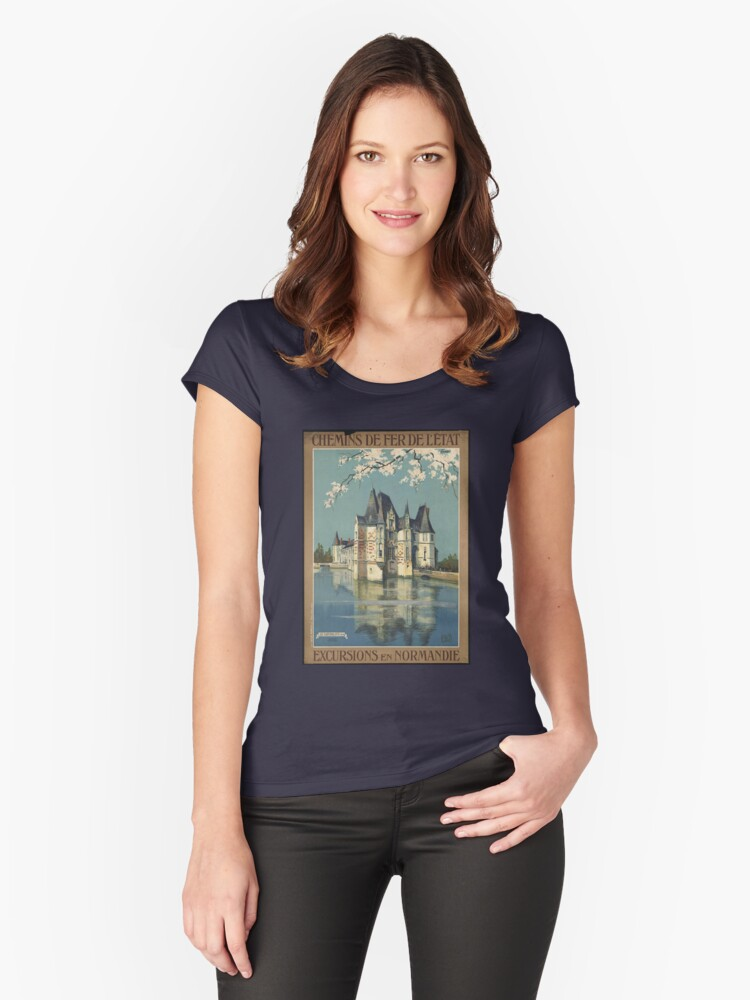 Vintage France T-Shirt Chateau Retro Travel Poster Women's Fitted Scoop T-Shirt Front