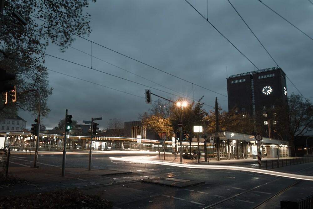 Hauptbahnhof Oberhausen long-term exposure; Ruhr by Oberhausen
