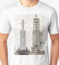 Spacex Falcon Heavy At Launch Pad - 60 MegaPixel image Unisex T-Shirt