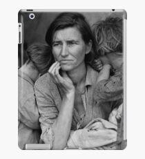 Migrant Mother, taken by Dorothea Lange in 1936 iPad Case/Skin