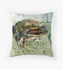 Frogs Humping Throw Pillow