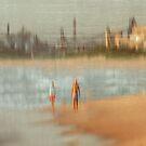 Don't look behind by Geraldine Lefoe