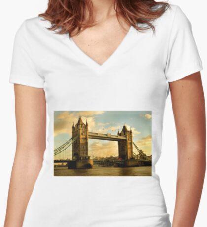 Tower Bridge - London Women's Fitted V-Neck T-Shirt
