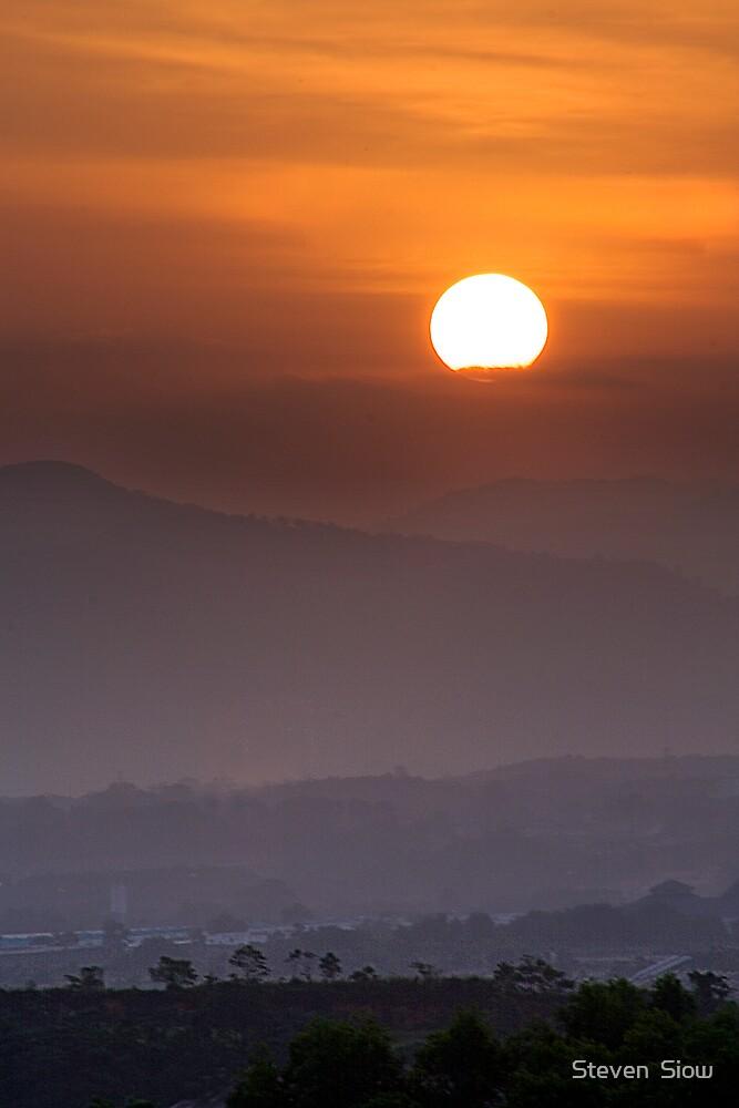 Sun-Up by Steven  Siow