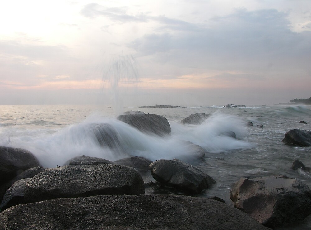 BUCHANAN BEACH  by CARLOS  BUENO VIEIRA
