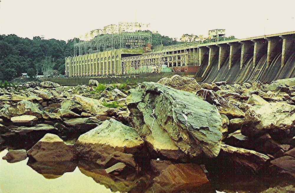Cononwingo Hydroelectric Dam on the Susquehanna River by drumsandkeys