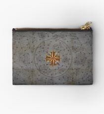 Atlas of Worlds (Path of Exile) Studio Pouch