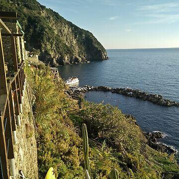 Land meets the sea in Italy  by PLANTONE