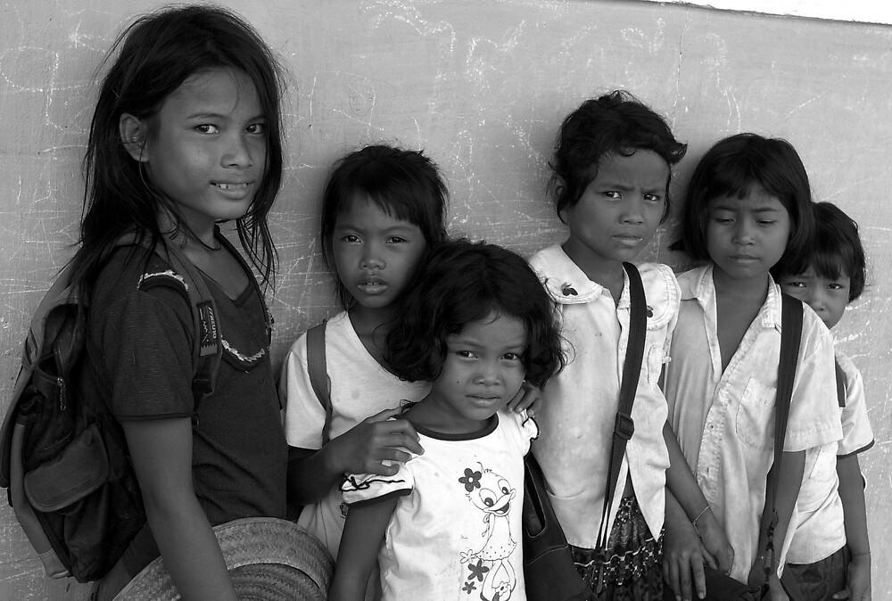 Children in Anlong Veng by Mick Yates