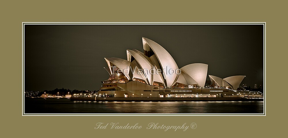 Opera house -Limited Edition Pano by TedVanderloo