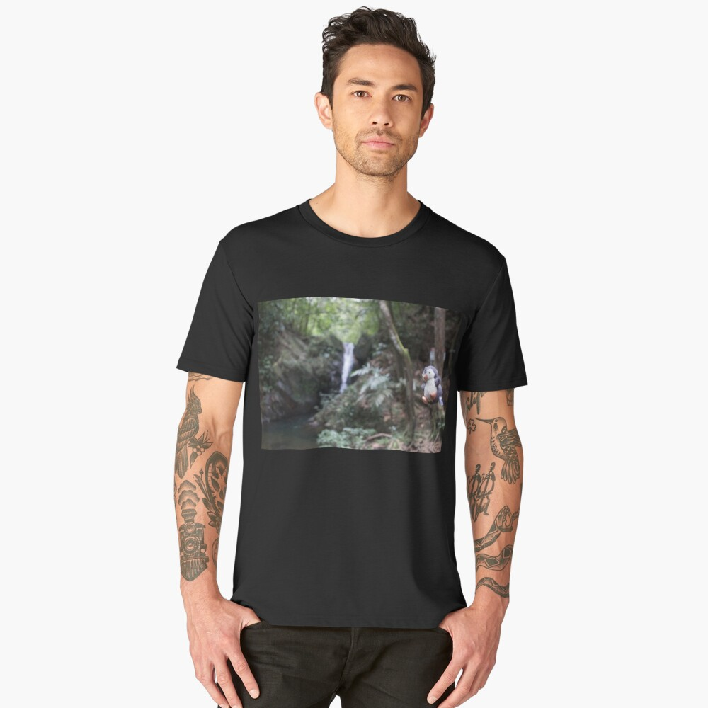 Pengweng diving into a waterfall in Belize Men's Premium T-Shirt Front