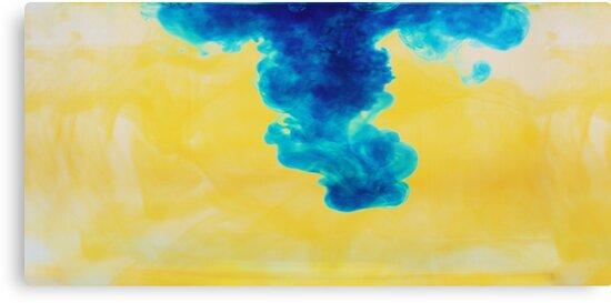 Blue drop by emmadellelba
