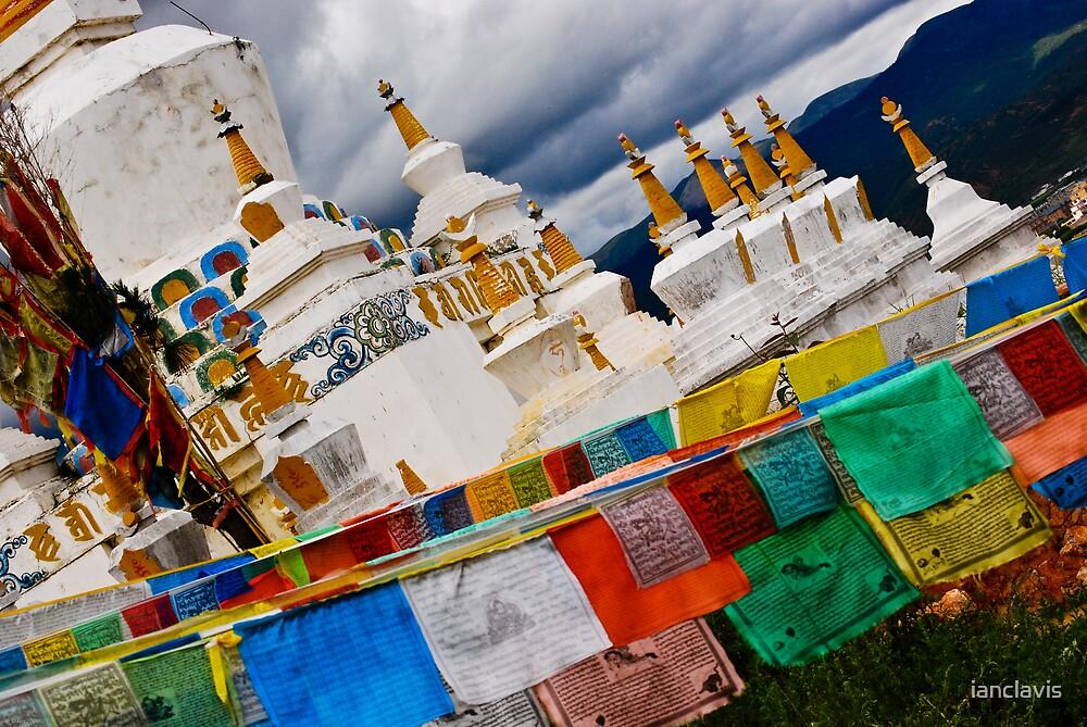 Prayer Flags Zhongdian by ianclavis