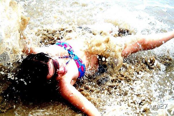 Splish Splash by lyra27