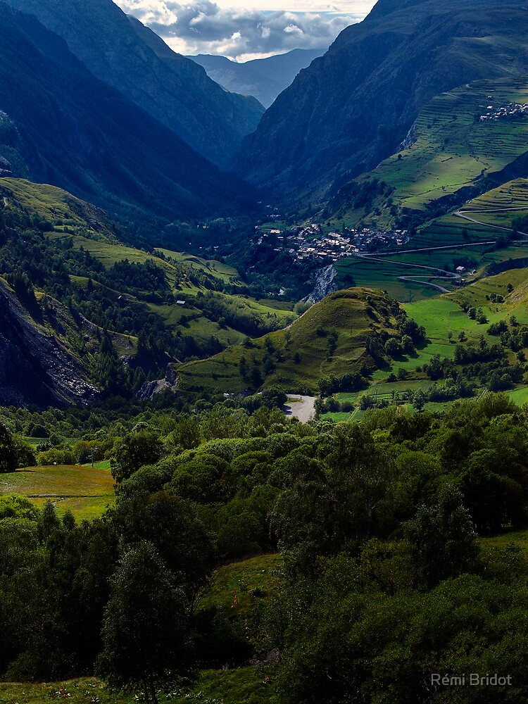 The Malaval valley and the village of la Grave by Rémi Bridot