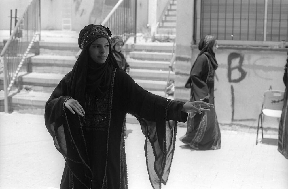 bedouin dancer by stillmoment