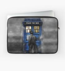 Mysterious man in the mist Laptop Sleeve