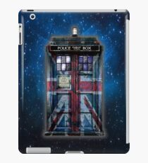 Union Jack Public Phone Booth iPad Case/Skin