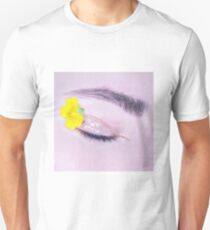 Yellow eye Unisex T-Shirt