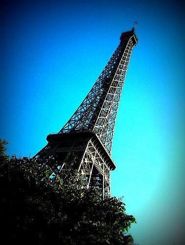Eiffel Tower by Dragonflyphoto