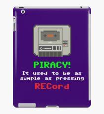 Gaming [C64] (Funnies) - Piracy! iPad Case/Skin